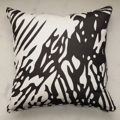 pillow-grabado-carbon