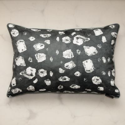 pillow-pirita-carbon